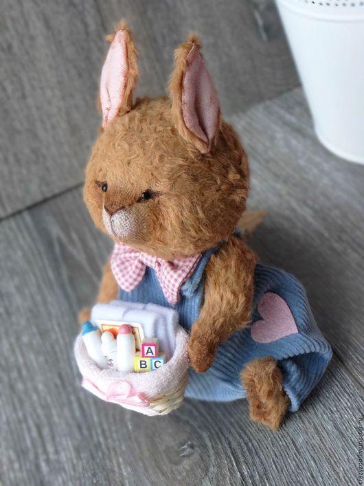 Мишки Тедди ручной работы. Ярмарка Мастеров - ручная работа. Купить Кролик нянька Ларсен в комбинезоне. Handmade. Кролик, подарок