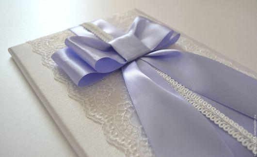 Свадебные аксессуары ручной работы. Ярмарка Мастеров - ручная работа. Купить Папка для свидетельства о браке с лиловым бантом. Handmade.