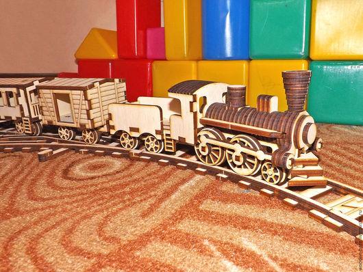 миниатюрная железная дорога из дерева