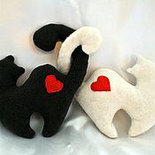 """Куклы и игрушки ручной работы. Ярмарка Мастеров - ручная работа Котики """"Валентинки"""". Handmade."""