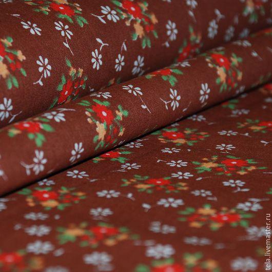 Красные и белые цветы на коричневом фоне. Хлопок 100%. Ткань для шитья и рукоделия. Есть в наличии.