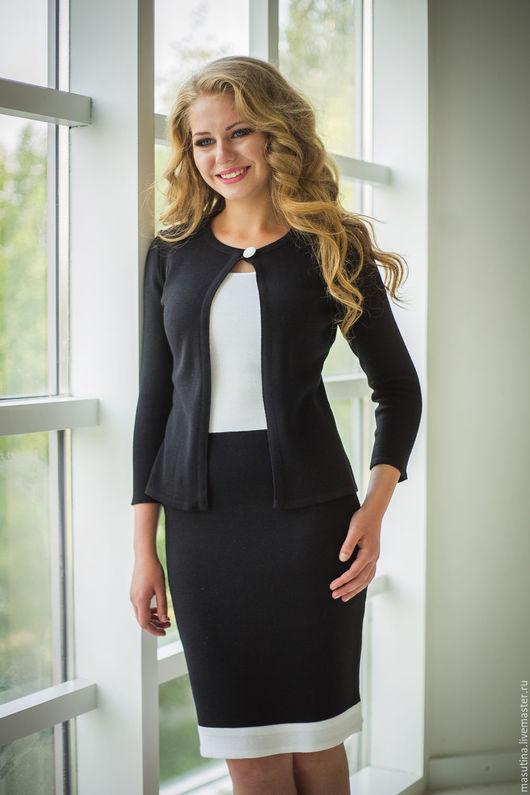Где купить деловой костюм женский доставка