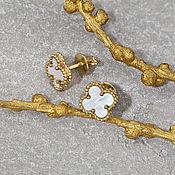 Украшения handmade. Livemaster - original item Elegant clover stud earrings with iridescent mother-of-pearl in gold. Handmade.