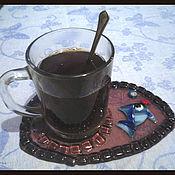 """Посуда ручной работы. Ярмарка Мастеров - ручная работа Подарочный набор чашка с блюдцем """"Рыбка"""" из цветного стекла.. Handmade."""