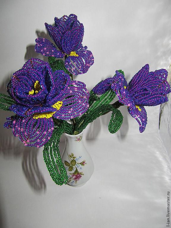 Ирис из бисера Цветы из бисера 93