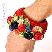 """Украшения ручной работы. Ярмарка Мастеров - ручная работа Высокий красный браслет """"Ягодная мозаика"""". Handmade."""