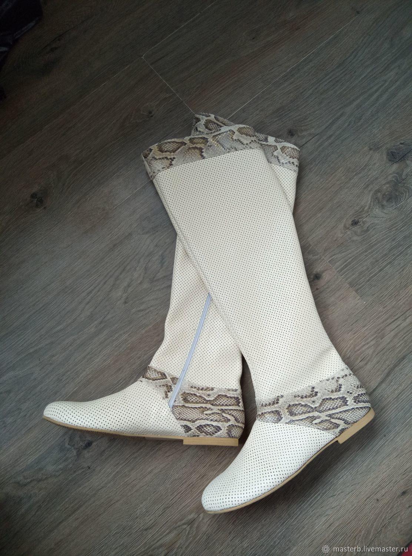 Обувь ручной работы. Ярмарка Мастеров - ручная работа. Купить Летнии сапожки -ботфорты из перфорированной кожи. Handmade. Летняя обувь
