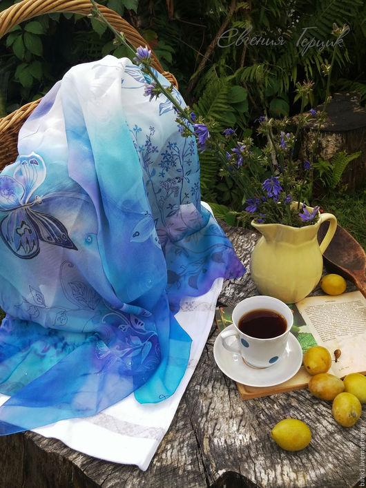Шарфы и шарфики ручной работы. Ярмарка Мастеров - ручная работа. Купить Шелковый шарф Небесные бабочки батик. Handmade. Голубой