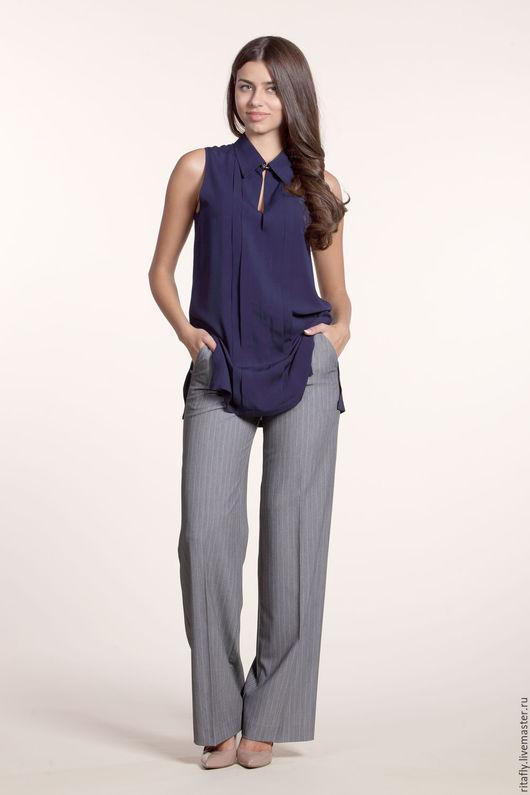 свободная блуза без рукавов с боковыми разрезами. Блузка женская из вискозы. Отличная блузка в офис