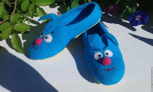 """Детская обувь ручной работы. Ярмарка Мастеров - ручная работа. Купить тапочки валяные детские """"крош"""". Handmade. Голубой, тапочки"""