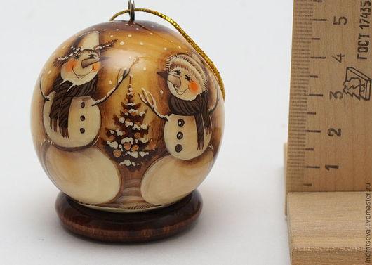 """Новый год 2017 ручной работы. Ярмарка Мастеров - ручная работа. Купить Ёлочный шар """"Два снеговика"""" 5 см. Handmade."""
