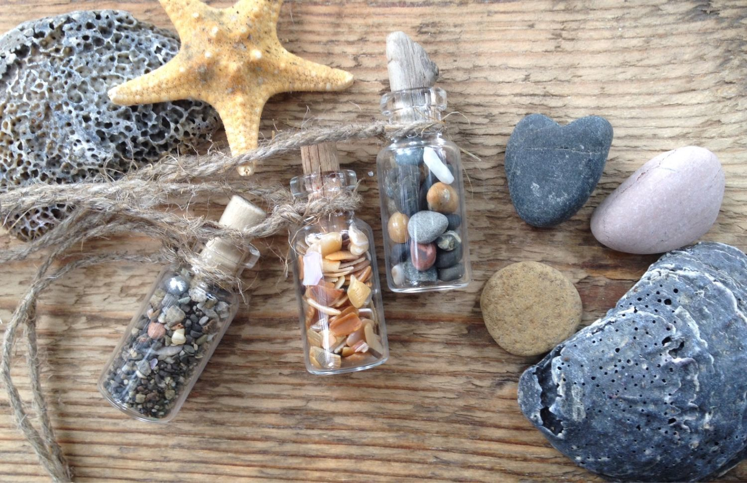Sea stones, glass and shells in small bottles, Key chain, Sochi,  Фото №1