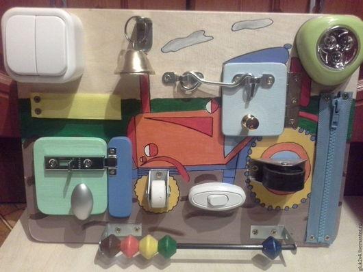 Развивающие игрушки ручной работы. Ярмарка Мастеров - ручная работа. Купить Бизиборд-мини Трактор. Handmade. Комбинированный, подарок для мальчика