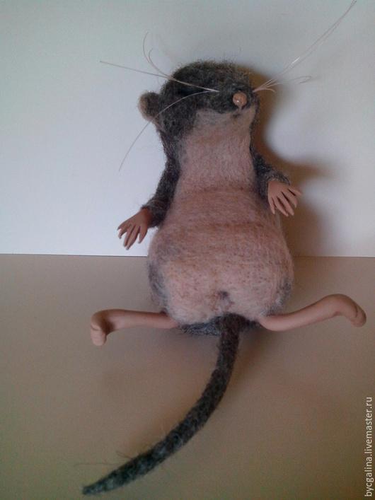 """Игрушки животные, ручной работы. Ярмарка Мастеров - ручная работа. Купить Мышка- пищуха: """"Поели, можно и поспать"""".... Handmade. Серый"""