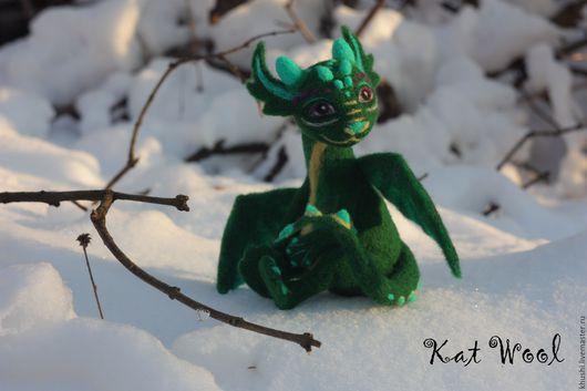 Сказочные персонажи ручной работы. Ярмарка Мастеров - ручная работа. Купить Дракончик. Handmade. Тёмно-зелёный, шерсть 100%