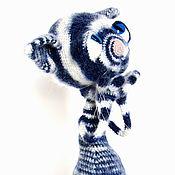 Куклы и игрушки ручной работы. Ярмарка Мастеров - ручная работа Вязаная игрушка кот полосатый  синий с голубыми глазами. Handmade.