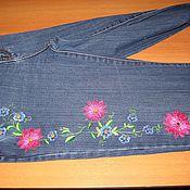 Одежда ручной работы. Ярмарка Мастеров - ручная работа вышивка на джинсах. Handmade.