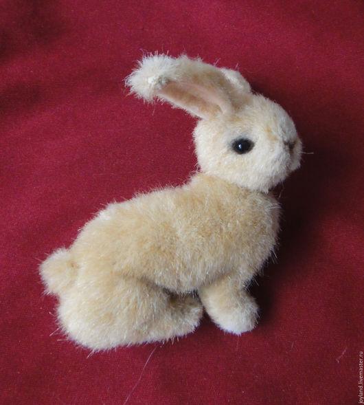 Куклы и игрушки ручной работы. Ярмарка Мастеров - ручная работа. Купить Кролик брошь.. Handmade. Бежевый, брошь ручной работы