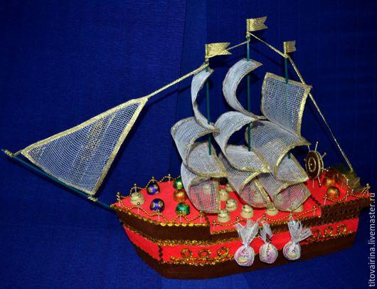 """Букеты ручной работы. Ярмарка Мастеров - ручная работа. Купить Корабль из конфет """"Алый"""". Handmade. Ярко-красный, подарок на юбилей"""