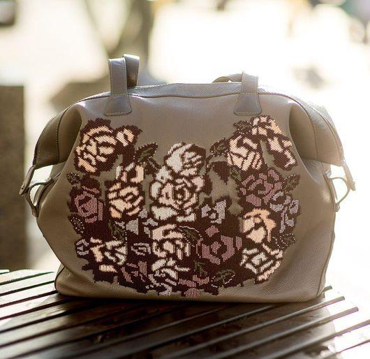 """Женские сумки ручной работы. Ярмарка Мастеров - ручная работа. Купить """"Капуччино"""", вышитая бисером большая кожаная сумка.. Handmade."""