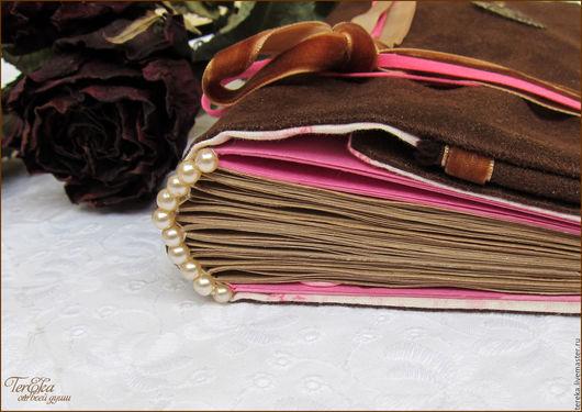 """Блокноты ручной работы. Ярмарка Мастеров - ручная работа. Купить Контрастный замшевый софтбук """"Роза"""". Handmade. Коричневый, подарок женщине"""