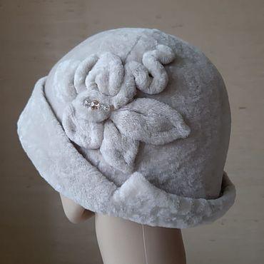 Аксессуары ручной работы. Ярмарка Мастеров - ручная работа Шляпка из астрагана с цветком. Handmade.
