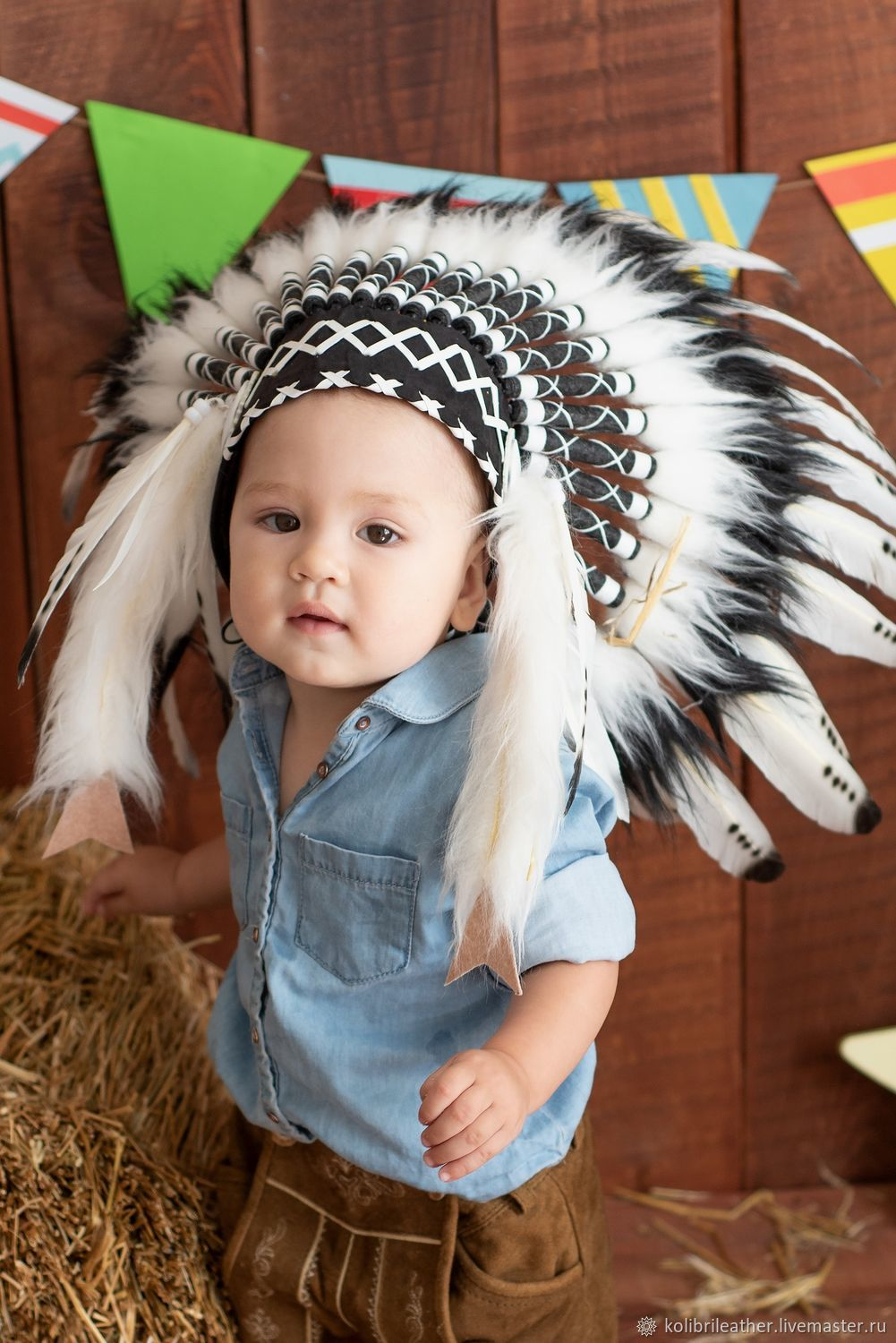 9419a5ccee7 Indian children s Christmas costume · Carnival Costumes handmade. Indian children s  hat made of feathers. Indian children s Christmas costume.