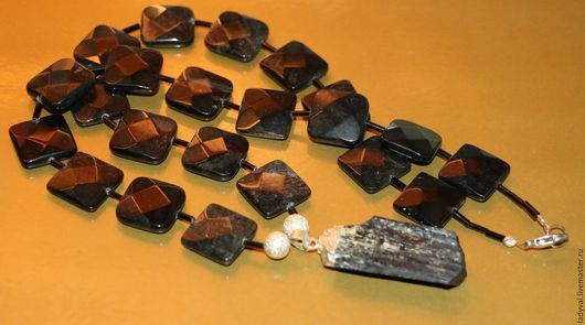 Колье № 1  колье 59 см.  ..камни обсидиан радужный камни 1.7 х 1.7 см. .кулон турмалин -шерл 4.5 см. природный...