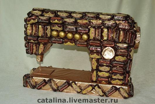 Кулинарные сувениры ручной работы. Ярмарка Мастеров - ручная работа. Купить Швейная машинка из конфет. Handmade. Картон