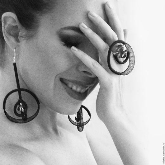 """Комплекты украшений ручной работы. Ярмарка Мастеров - ручная работа. Купить Комплект кольцо и серьги """"Sfera"""". Handmade. Черный, воздушность"""