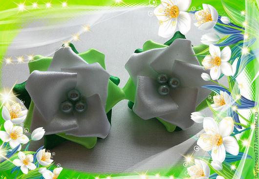 """Заколки ручной работы. Ярмарка Мастеров - ручная работа. Купить Атласные цветы """"Розочки - 2"""". Handmade. Канзаши, заколка с цветами"""