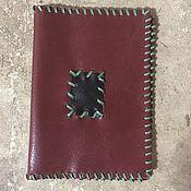 Канцелярские товары ручной работы. Ярмарка Мастеров - ручная работа Кожаная обложка на паспорт. Handmade.