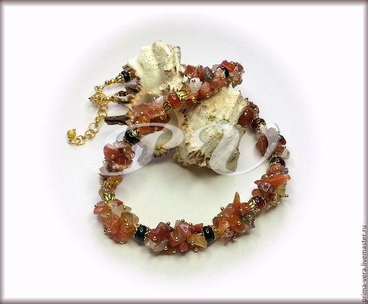 Украшения из сердолика были популярны у женщин с древнейших времен. Этому красивому камню приписывали магические свойства.