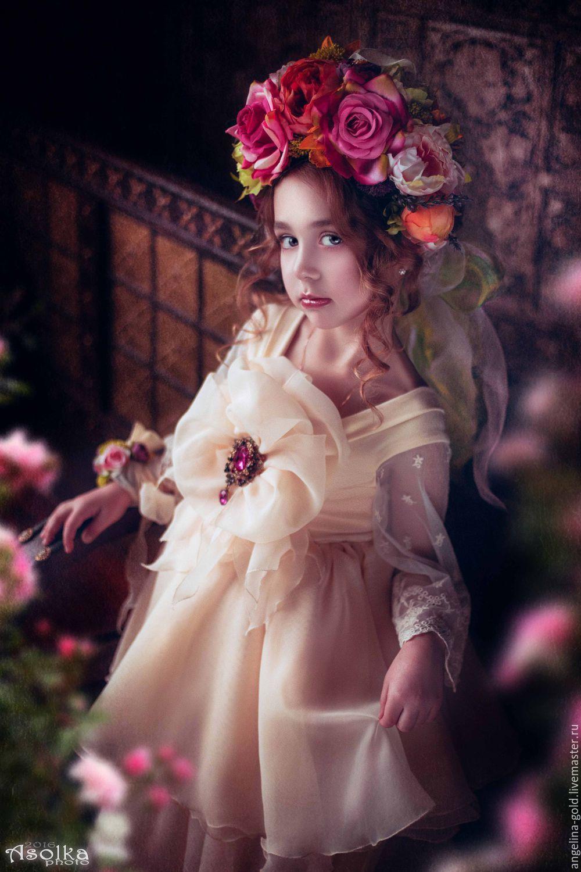 Dressed in love! Angelina Goldberg