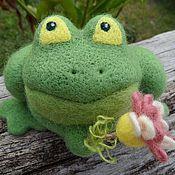 Куклы и игрушки ручной работы. Ярмарка Мастеров - ручная работа Игрушка валяная Лягушонок Вилли. Handmade.