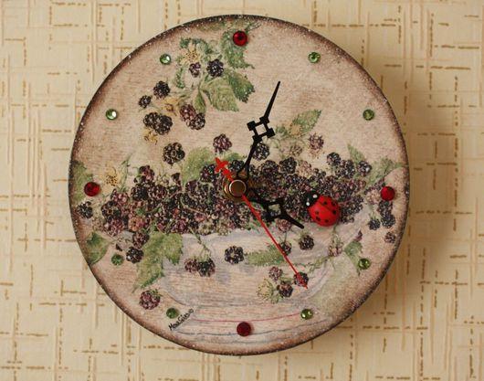 """Часы для дома ручной работы. Ярмарка Мастеров - ручная работа. Купить Часы """"Ежевичное настроение"""". Handmade. Часы настенные, часы"""