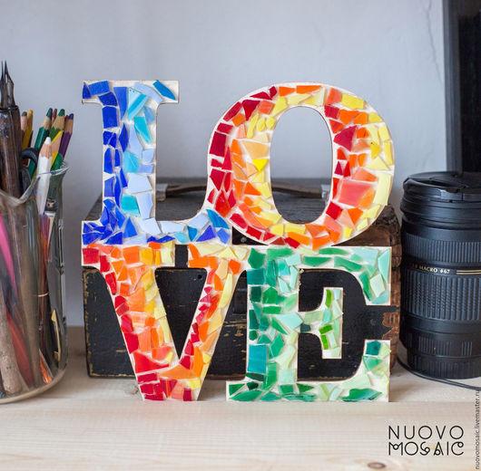 Интерьерное слово LOVE