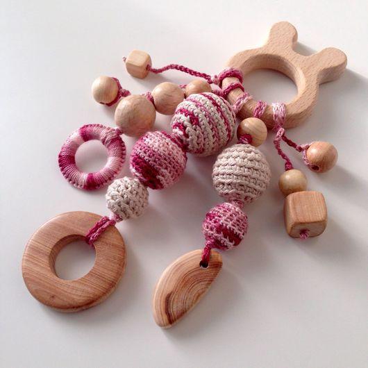 Аксессуары для колясок ручной работы. Ярмарка Мастеров - ручная работа. Купить Грызунок 'Розовый зайка'. Handmade. Грызунок, дерево