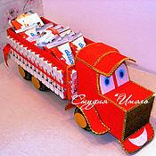 Сувениры и подарки ручной работы. Ярмарка Мастеров - ручная работа Грузовичок из конфет. Handmade.