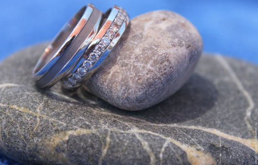 Свадебные украшения ручной работы. Ярмарка Мастеров - ручная работа. Купить Обручальные кольца с камнями золото. Handmade. Золотое кольцо