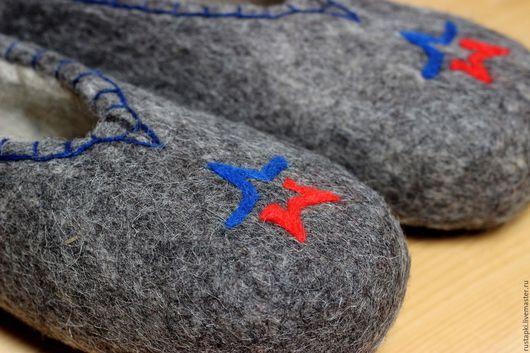 """Обувь ручной работы. Ярмарка Мастеров - ручная работа. Купить """"Армейские"""" домашние валяные тапочки мужские. Handmade. Тапки валяные"""