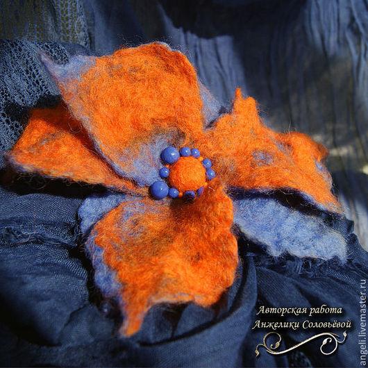 """Броши ручной работы. Ярмарка Мастеров - ручная работа. Купить Брошь """"Оранжевое в Синем"""". Handmade. Брошь, оранжевый цвет, элегантность"""