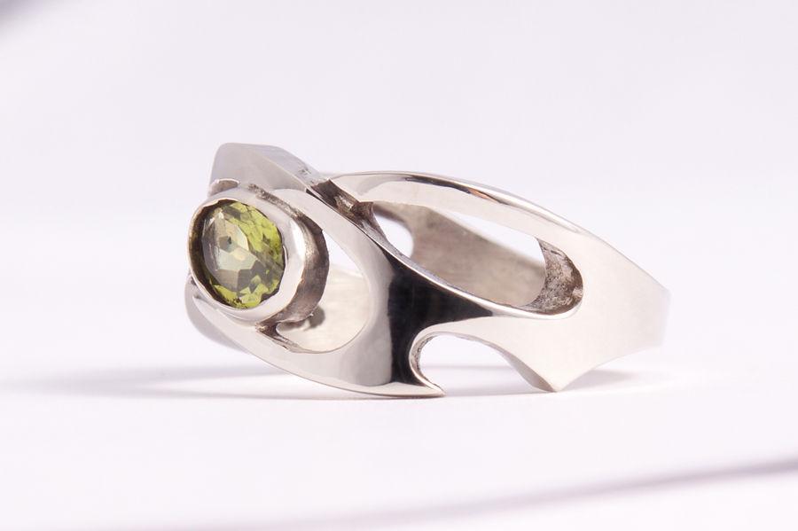 Серебряное кольцо с хризолитом, Кольца, Москва, Фото №1