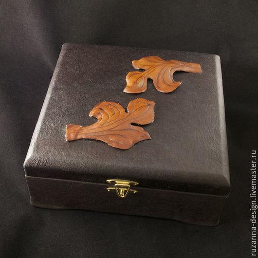Шкатулки ручной работы. Ярмарка Мастеров - ручная работа. Купить Изящная деревянная шкатулка для украшений, обшитая натуральной кожей. Handmade.