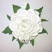 """Украшения ручной работы. Ярмарка Мастеров - ручная работа Брошь """"Белая роза"""" из фоамирана. Handmade."""