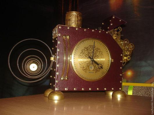 """Часы для дома ручной работы. Ярмарка Мастеров - ручная работа. Купить Часы из серии """"Главное идут"""". Handmade. Бордовый"""