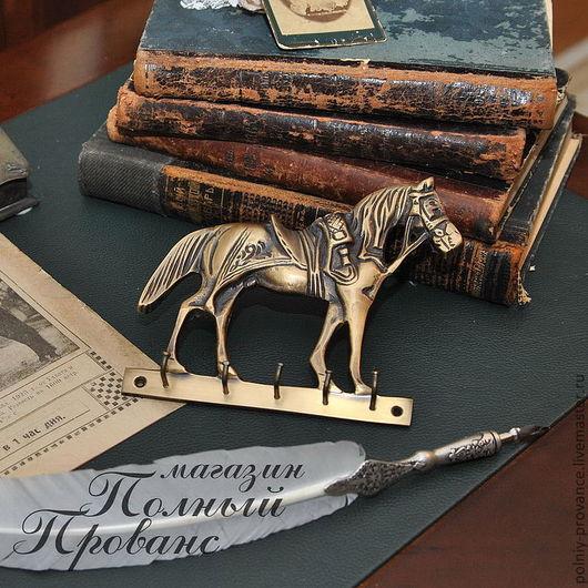Другие виды рукоделия ручной работы. Ярмарка Мастеров - ручная работа. Купить Конь гусарский Пи2059 вешалка. Handmade. Золотой
