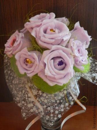 """Персональные подарки ручной работы. Ярмарка Мастеров - ручная работа. Купить Конфетный букет """"Розы на каркасе"""". Handmade. Бледно-сиреневый"""
