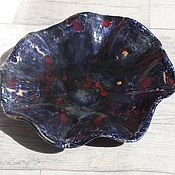 Посуда ручной работы. Ярмарка Мастеров - ручная работа Керамическое блюдо синее с красным ручной работы. Handmade.