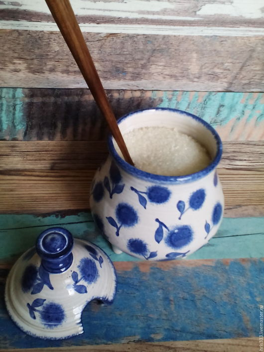 """Конфетницы, сахарницы ручной работы. Ярмарка Мастеров - ручная работа. Купить Сахарница на ножках  """" Синие цветы"""". Handmade. Белый"""
